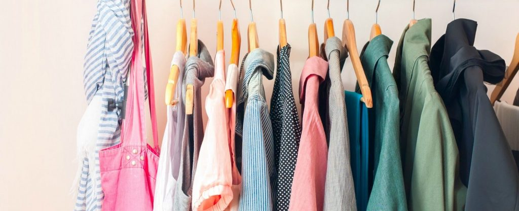 shopping blouses | what to wear on holiday to Italy